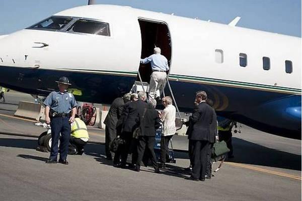 Айджалон Мали Гомес (Aijalon Mahli Gomes) прибыл в бостонский аэропорт Логан в пятницу, 27 августа, вечером с экс-президентом Джимми Картером. Бывший глава Белого дома в течение нескольких минут пообщался с родственниками Гомеса и вернулся на борт самолет