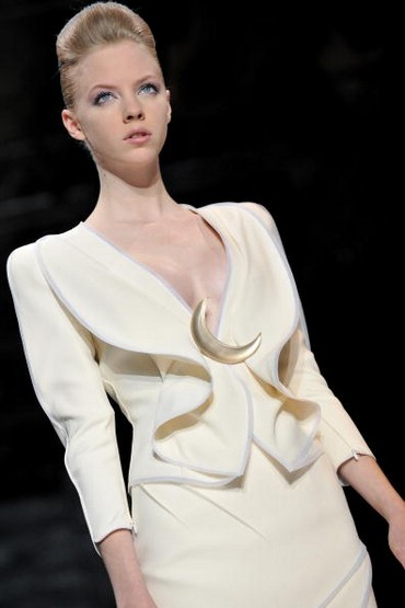 Коллекция Giorgio Armani весна-лето – 2010 на Неделе моды в Париже. Фото: Pascal Le Segretain/Getty Images