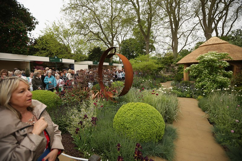 Сад «Окна сквозь время» от компании «M&G Centenary» на выставке цветов в Челси. Фото: Oli Scarff/Getty Images