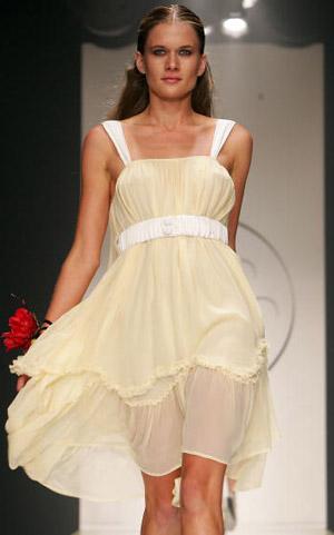 Мадам Мари (Madame Marie) коллекция весна-лето 2007/08. Фото: Patrick Riviere/Getty Images
