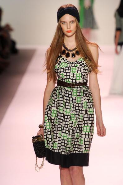 Презентация колекции Michelle Smith весна 2011 на Неделе мод Mercedes-Benz в Нью-Йорке. Фото Frazer Harrison/Getty Images for IMG