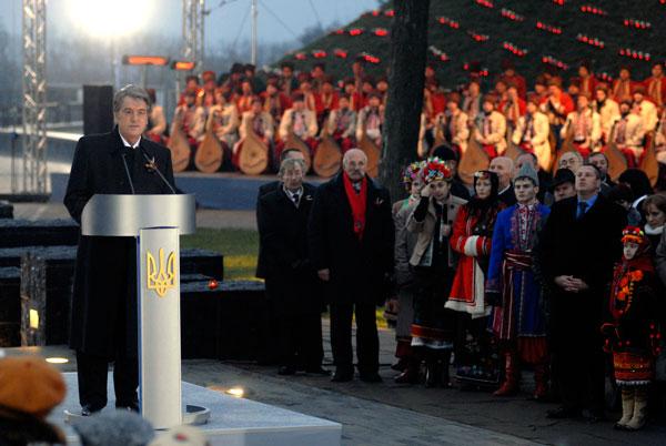 Президент Украины Виктор Ющенко во время мероприятий памяти жертв голодомора в Киеве 28 ноября 2009 года. Фото: Владимир Бородин/The Epoch Times