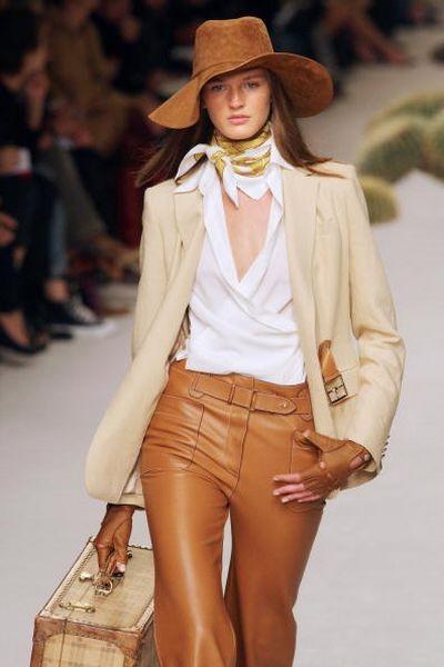 Новая коллекция Жана-Поля для дома Hermes на показе Парижской Недели моды 4 октября. Фото: PIERRE VERDY/AFP/Getty Images