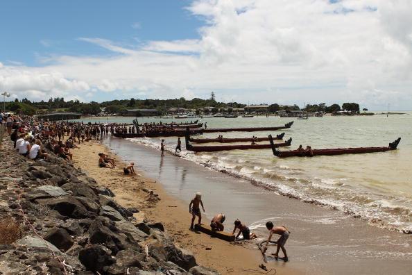Жители Новой Зеландии готовятся отметить день Вайтанги - национальный праздник, который отмечается в честь дня основания Новой Зеландии - 6 февраля 1840 г. Фото: Phil Walter/Getty Images