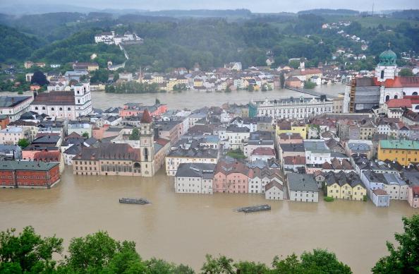 Вид на затоплений історичний центр міста Пассау, Німеччина. Фото: Lennart Preiss/Getty Images