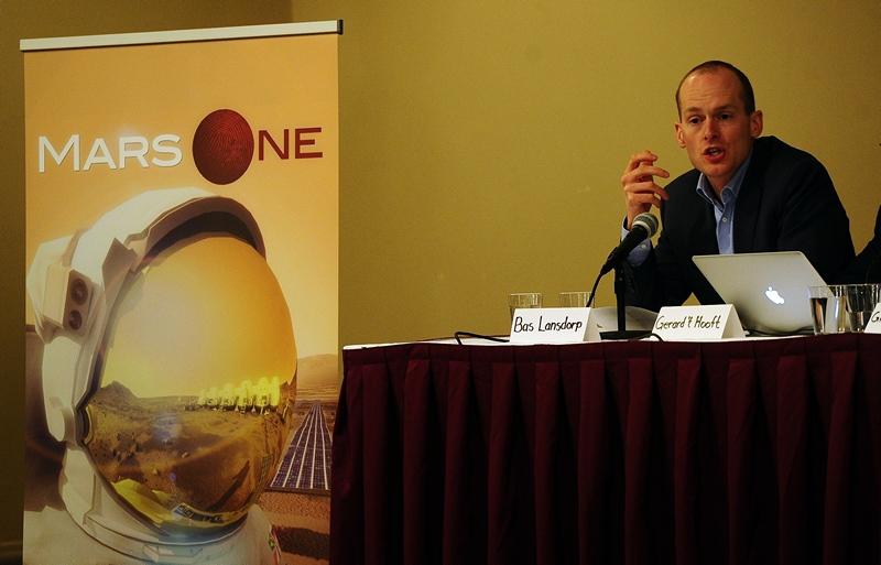 Нью-Йорк, США, 22 апреля. Руководитель проекта «Mars One» Бас Лансдорп объявляет о начале отбора желающих стать первыми колонистами Марса. Фото: EMMANUEL DUNAND/AFP/Getty Images