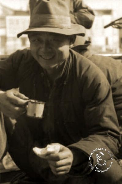Шанхай. Портовые рабочие. Фото с aboluowang.com