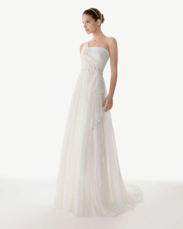 Свадебные платья коллекции «Rosa Clara 2013». Фото: rosaclara.es