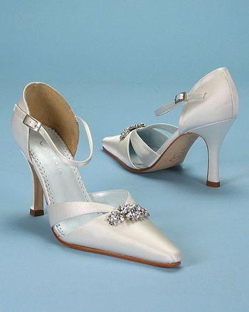 Свадебная обувь: нежные идеи для особенного дня. Фото с epochtimes.com