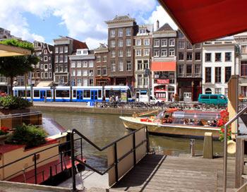 Амстердам, на пристані. Фото: Ірина Рудська / The Epoch Times