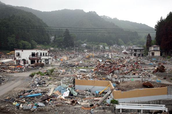 Разрушенные здания в г. Отсучи, префектура Иватэ. Фото: Kiyoshi Ota/Getty Images