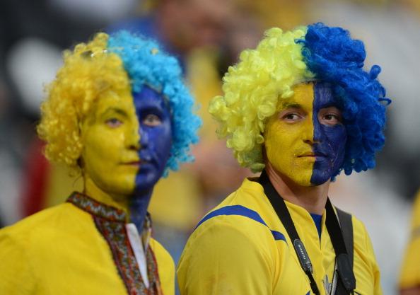 Українські вболівальники на матчі Україна — Франція 15 червня 2012 р. на Донбас Арені, Донецьк. Фото: Patrick HERTZOG/AFP/Getty Images