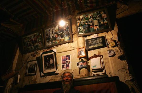 Горожанин у себя дома. Фото: China Photos/Getty Images