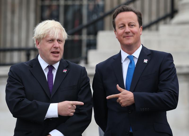 Лондон, Англия. 24 августа. Премьер-министр Дэвид Камерон (справа) и Мэр Борис Джонсон — кто возьмётся открыть Паралимпийские игры? Фото: Peter Macdiarmid/Getty Images