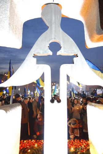 Памятник жертвам Голодомора 1932-1933 гг. Фото: Владимир Бородин/ Великая Эпоха