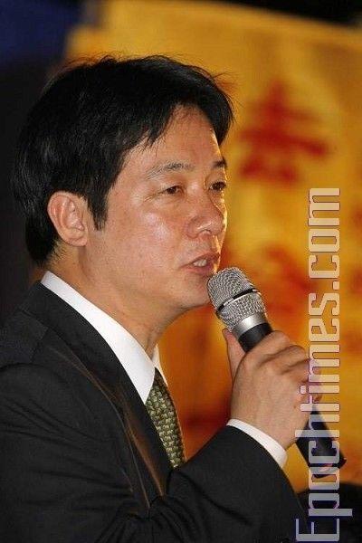 С речью в поддержку последователей Фалуньгун выступил глава азиатского отделения Коалиции по расследованию преследований в отношении Фалуньгун, член законодательного собрания Тайваня Лай Чиндэ. 20 июля. Тайбэй (Тайвань). Фото: Ван Жэньцзюн/ The Epoch Time