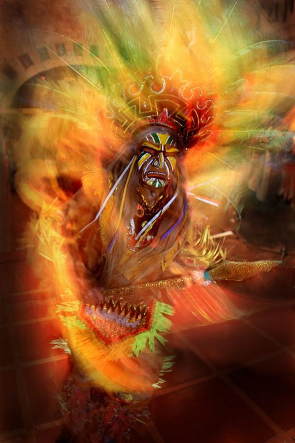 Огненный танец. Куско, Перу. Фото: Dirk Kanz/travel.nationalgeographic.com