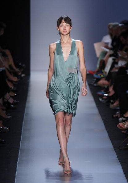 Коллекция от Max Azria. Фото: Scott Gries/Getty Images