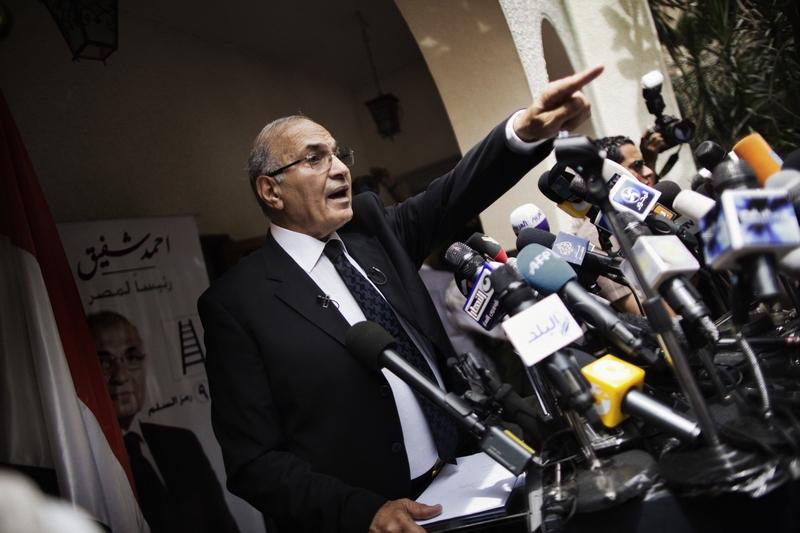 Кандидат у президенти, колишній прем'єр-міністр Ахмед Шафік говорить під час прес-конференції в Каїрі 26 травня 2012 р. Фото: MARCO LONGARI/AFP/GettyImages