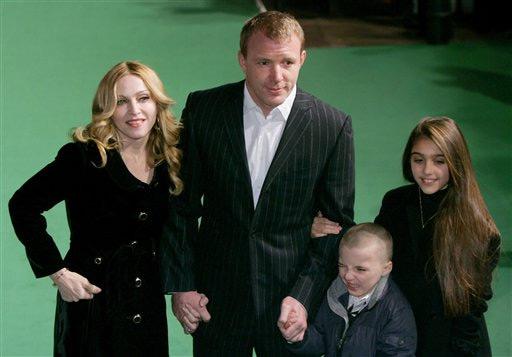 Гай Річи з сім'єю. Фото: Getty Images