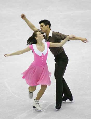 Тесса Вирту/Скотт Муар (Канада) исполняют произвольный танец. Фото: Chung Sung-Jun/Getty Image
