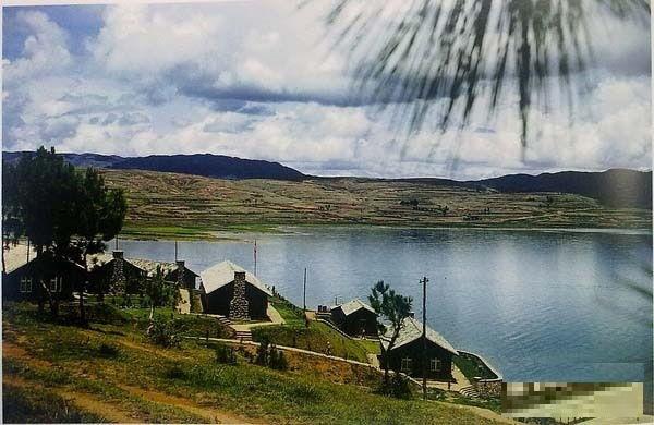 Місце відпочинку, побудоване неподалік від міста Куньмін 14-м підрозділом американських військово-повітряних сил. Провінція Юньнань в 1945 році