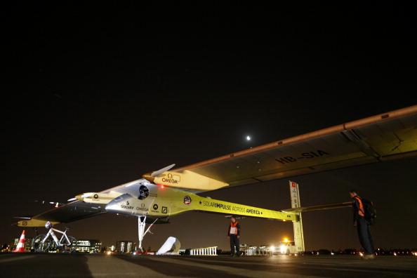 Самолёт на солнечных батареях пролетел больше 1500 км. Фото: Beck Diefenbach/Getty Images