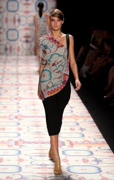 Коллекция от Nicole Miller на Неделе моды Mercedes-Benz в Нью-Йорке. Фото: Scott Gries/Getty Images