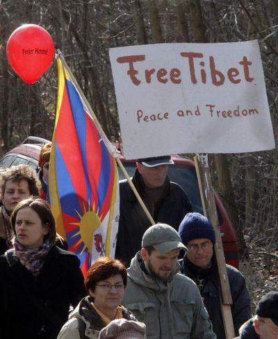 23 марта. Акция в защиту Тибета в г.Фрецдорф. Фото: MICHAEL URBAN/AFP/Getty Images