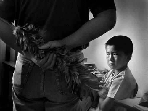 Отец собирается воспитывать сына. Фото с epochtimes.com