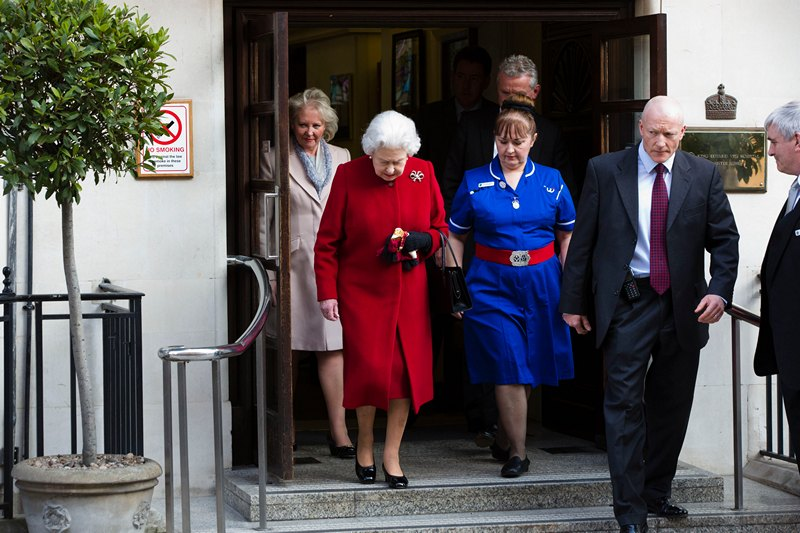 Лондон, Великобритания, 4 марта. Елизавета II покидает клинику им. короля Эдварда VII, куда королева была госпитализирована с подозрением на кишечную инфекцию. Фото: Warrick Page/Getty Images