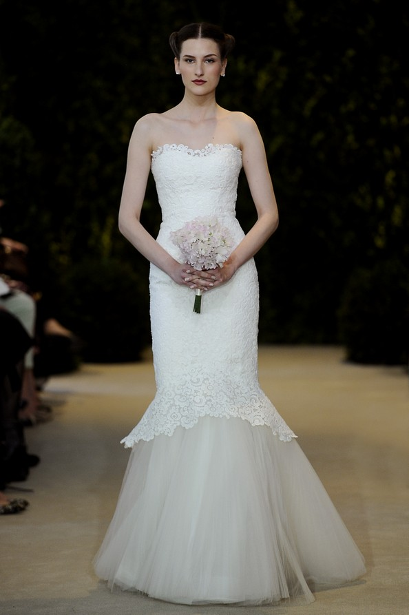 Весільна колекція весна-літо 2014 від Carolina Herrera. Фото: Fernanda Calfat/Getty Images