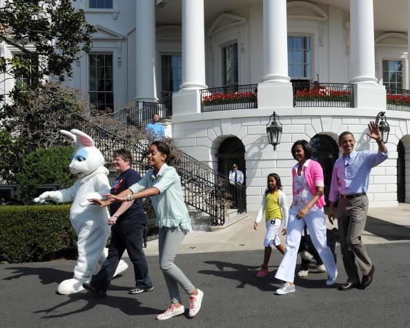 Пасхальное катание яиц на лужайке у Белого дома в Вашингтоне. Фоторепортаж. Фото: TIM SLOAN/SAUL LOEB/Chip Somodevilla/AFP/Getty Images
