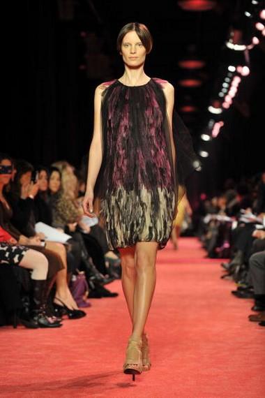 Коллекция от Jason Wu сезона осень-зима на Неделе моды Mercedes-Benz в Нью-Йорке. Фото: Getty Imges