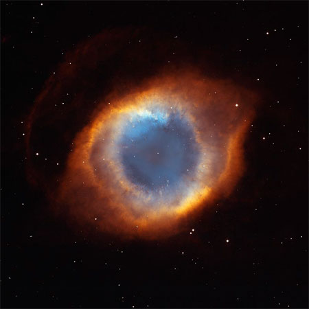 5 июля 2003 г. Туманность Улитка (NGC 7293). Фото: NASA, NOAO, ESA, the Hubble Helix Nebula Team, M. Meixner (STScI), and T.A. Rector (NRAO)