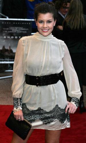 Имоджен Томас (Imogen Thomas) посетила премьеру фильма Стрелок (Shooter) Фото: Dave Hogan/Getty Images