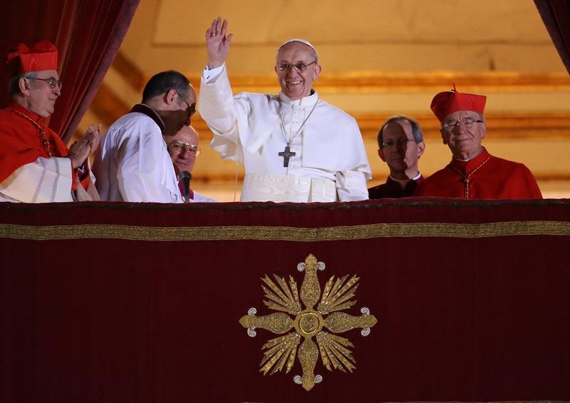 Ватикан, 13 березня. Конклав кардиналів обрав 266-го понтифіка. Ним став аргентинець Хорхе Маріо Бергольо під ім'ям «Франциск I». Фото: Peter Macdiarmid/Getty Images