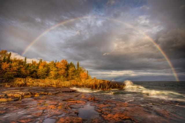 Двойная радуга. Вид с обзорной площадки «Место художника». Штат Миннесота. Фото: Jeffrey Klug/outdoorphotographer.com