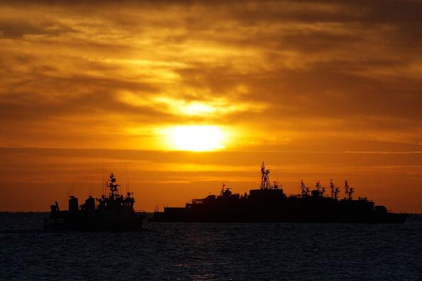ОСТРІВ YEON PYEONG, ПІВДЕННА КОРЕЯ, 26 листопада: Південнокорейські військові кораблі. Підсилення військової боєготовності. Фото: Chung Sung-Jun/Getty Images
