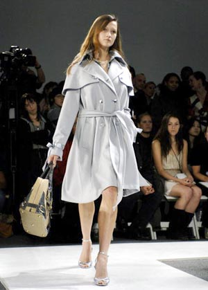 Колекція вбрання японського модельєра Акіко Огава. Фото: Mark Mainz/Getty Images
