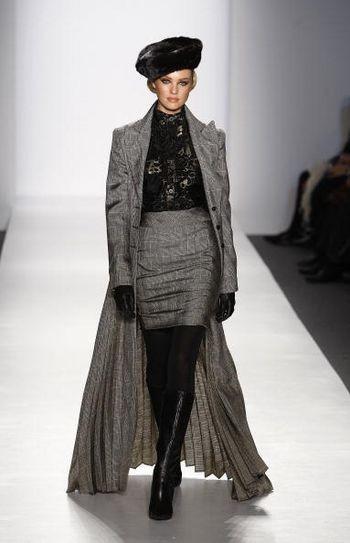 Коллекция женской одежды осень 2008 от Памелы Роланд (Pamela Roland), представленная 4 февраля на неделе моды от Mercedes-Benz в Нью-Йорке. Фото: Frazer Harrison/Getty Images