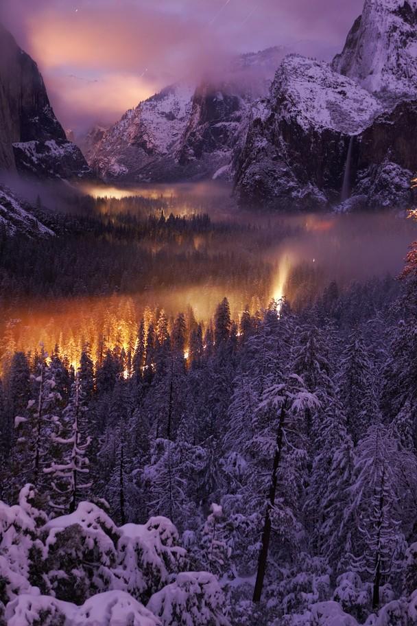 Йосемитская долина ночью. Фото: Phil Hawkins/travel.nationalgeographic.com