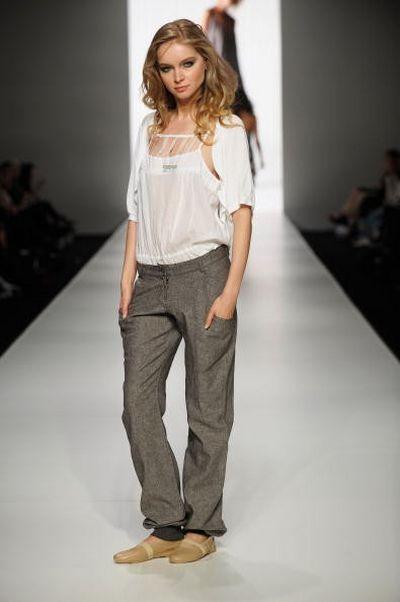 Коллекция одежды от дизайнера Body  фото: Stefan Gosatti/Getty Images