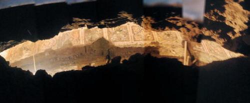 Мозаика Lupercale, священные пещеры, где, согласно легенде, - волчица кормила двух основателей Рима и, после этого зародился город. Археологи из Департамента культурного наследия Римского муниципалитета рассказали, что они обнаружили Lupercale через 50 фу