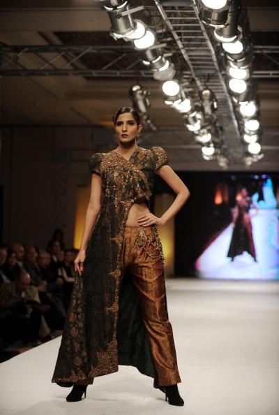 Ісламабадський тиждень моди - Nilofer Shahid. Фото AAMIR QURESHI/AFP/Getty Images