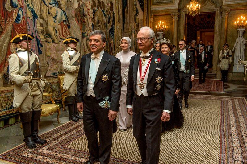 Стокгольм, Швеция, 11 марта. Президент Турции Абдула Гюль (слева) и король Швеции Карл Густав прибыли на торжественный обед, устроенный по случаю визита в страну турецкого главы. Фото: LEIF R JANSSON/AFP/Getty Images