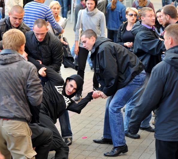 В День Независимости в городах Белоруссии состоялись тихие акции протеста. Задержано 400 человек, выступивших против режима президента Фото: Виктор Драшев/Getty Images