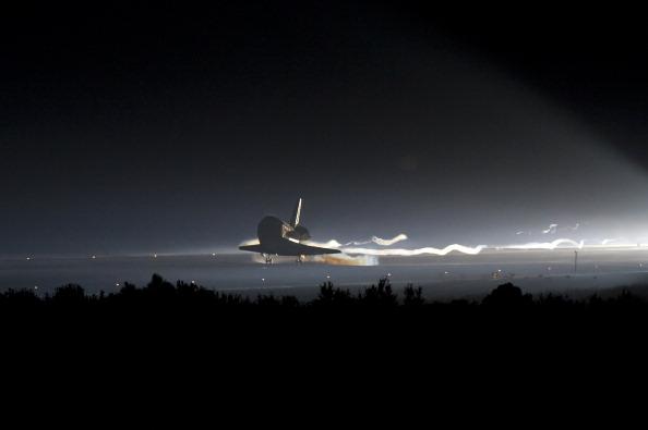Приземление шаттла «Атлантис». Фото: Bill Ingalls/NASA via Getty Images