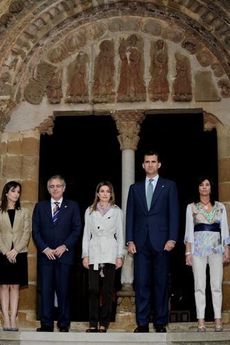 Принц Іспанії Феліппе і принцеса Летиція відвідали монастир Сан-Сальвадор-де-Лейре. Фото: Carlos Alvarez/Getty Images