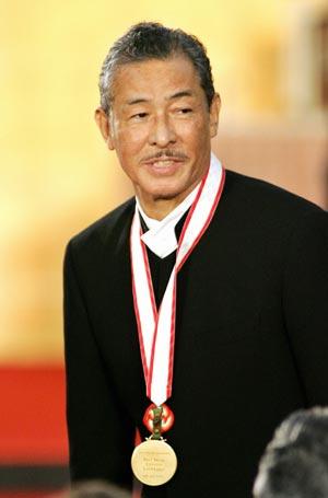 Японский модельер Иссей Мияке. Фото: AFP/YOSHIKAZU TSUNO